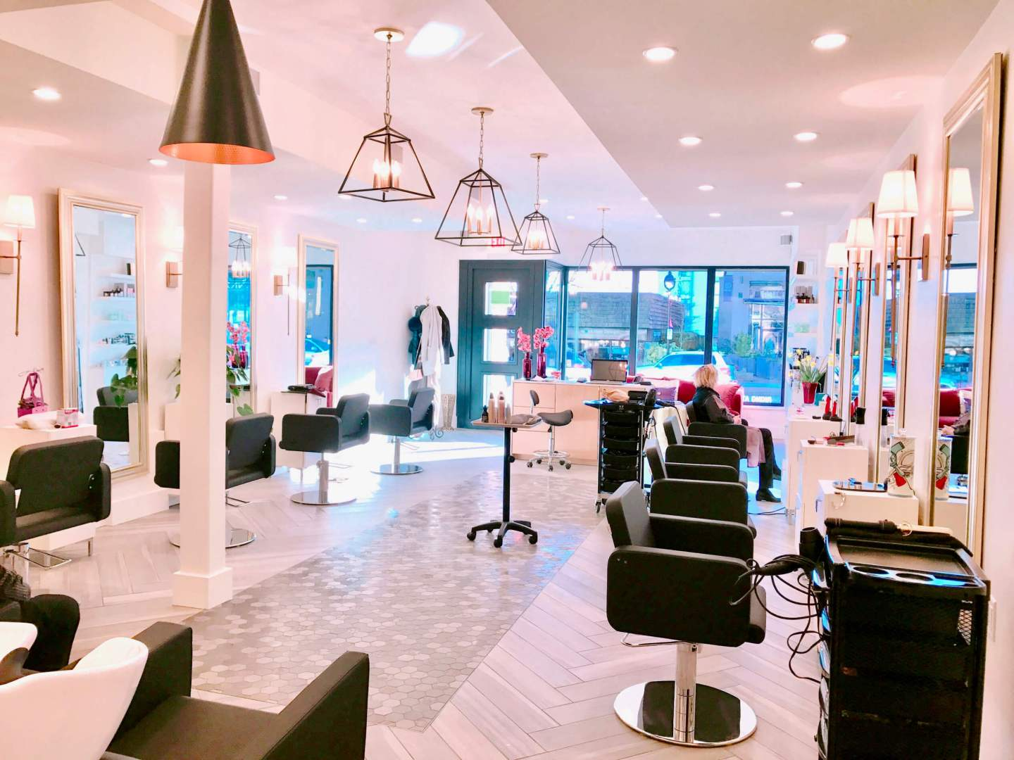 La-Rouge-HairandSpa_lobby